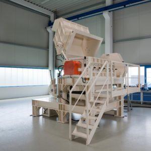 Trichter Granulator U1700 hydraulisch geöffnet